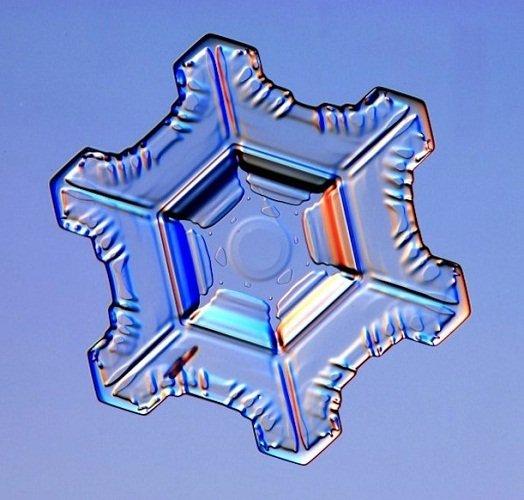 物理学家实验室造雪 揭开其形成的细节