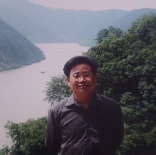 王建富 江苏省海安县城东镇韩洋初级中学校长