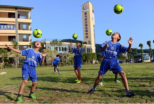 湖北快3_湖北拟筹5000万元经费 3年建700所足球特色学校