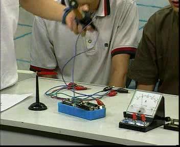 人教版 九年级物理 第20章 研究电磁铁 (2)