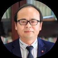曾義榮 重慶市中山外國語學校校長