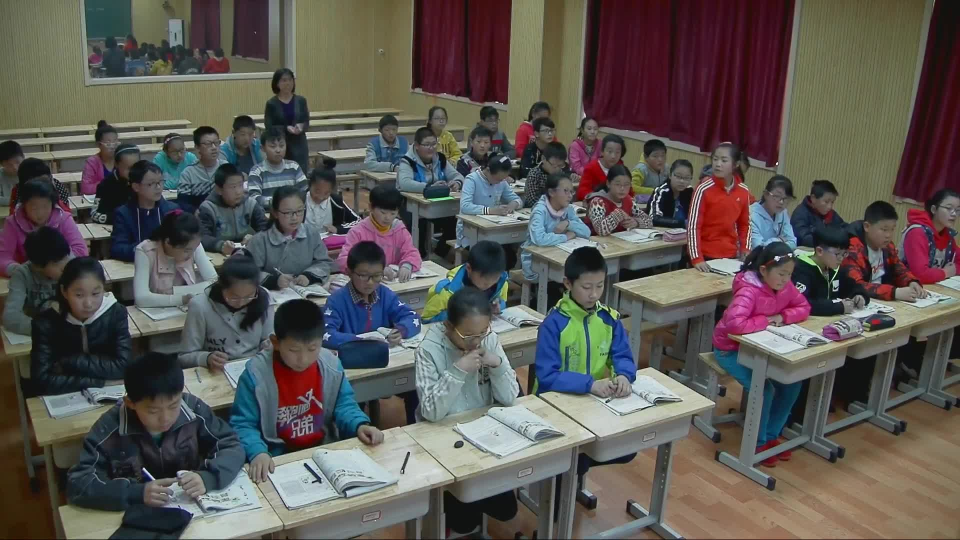 鲁教版(五四制) 六年级英语下册 Uint6 Don't eat in class!(Section B Reading)-课堂实录