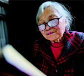 """七十五岁学霸奶奶自考记:""""这是我一个人的战斗"""""""