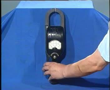 人教版 高二物理选修3-2 5.4变压器-实验视频:交变电流电路中常用的钳形电流表-视频素材 人教版 高二物理选修3-2 5.4变压器-实验视频:交变电流电路中常用的钳形电流表-视频素材 人教版 高二物理选修3-2 5.4变压器-实验视频:交变电流电路中常用的钳形电流表-视频素材 [来自e网通客户端]