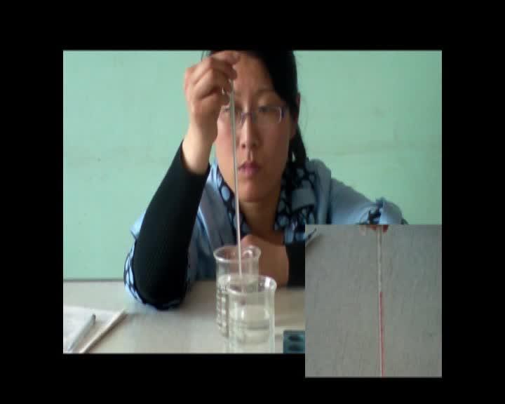 初中物理实验操作视频:   用温度计测量水的温度  mpg