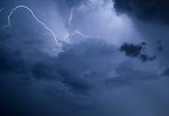 云层为什么会带电