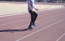 本套花样跳绳视频精品教程是邀请了专业花样跳绳运动员拍摄制作的一套实用性花样跳绳教学课程。教程内容包含了花样跳绳各项基础技术,并对各项花样跳绳技术进行了细致清晰的解析和演示,学生可以通过视频教程学习到花样跳绳的各项技术。 [来自e网通客户端]