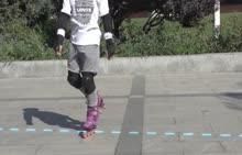 本套轮滑视频精品教程是邀请了专业轮滑运动员拍摄制作的一套实用性轮滑教学课程。教程内容包含了轮滑各项基础技术,并对各项轮滑技术进行了细致清晰的解析和演示,学生可以通过视频教程学习到轮滑的各项技术。  [来自e网通客户端]